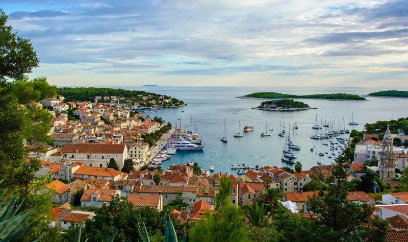 Otok Hvar ponovno proglašen najboljim otokom u Europi!